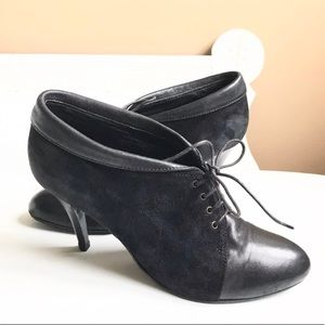J CREW BLACK LEATHER SUEDE ANKLE BOOT LACES ITALY